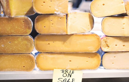 artisanal-market-cheese